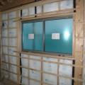 津島市 大きな吹抜けのある家 断熱材充填